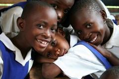 (特活)エイズ孤児支援NGO・PLAS