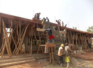 ハコモノ支援で終わらせないコミュニティづくりのカギ ベナンの学校建設の事例から―ハンガー・フリー・ワールドゆうちょ財団助成事業報告会