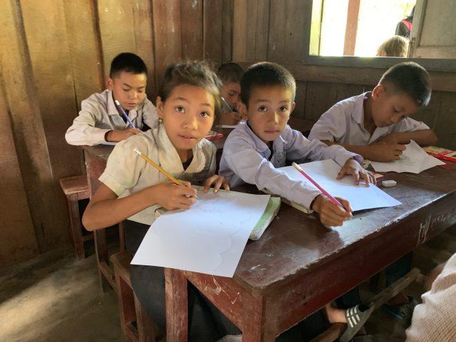 オンライン報告会【12/12】子どもが安心して学べるまち-ラオス子どもの生活環境改善事業-
